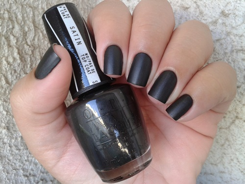 Claudia Freitas 4 in the morning opi
